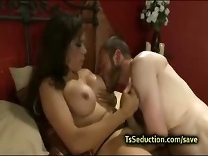 Busty Latina tranny fucks guy in bed